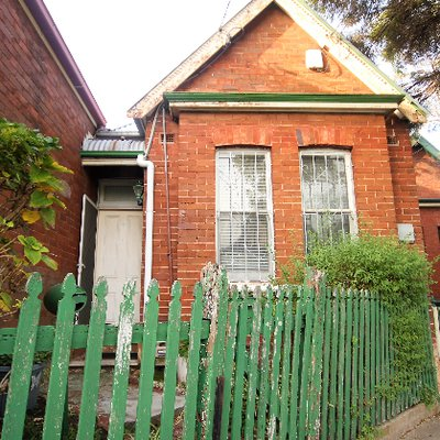 """""""Just Listed: 3 Scouller Street Marrickville<br \/>2 Bed l 1 Bath <br \/>For sale is an original terrace, ripe for renovation. Situated in a prime locati"""""""