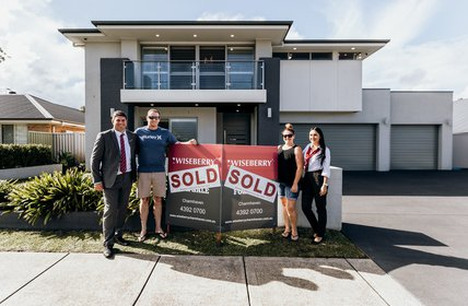""\ud83cudf89WOONGARRAH SOLD RECORDud83cudf89<br />Congrats to our vendors and our new purchasers - cheers to new beginnings.<br />$1,010,000 @ 8 Helios St, Woongarr""428|280|?|0904b1a0b27fe1bbb7c2a0d32152c64d|False|UNLIKELY|0.30863237380981445