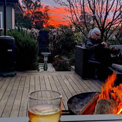 """""""Another amazing sunset from the deck, warm fire and quality time with the family. Thats what it is all about."""""""