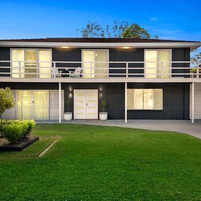 """""""Welcome to 95 Diamond Head Drive, Budgewoi<br \/>Defined by its premier street location, impressive renovations, stylish fluidity and modern inclusions"""""""