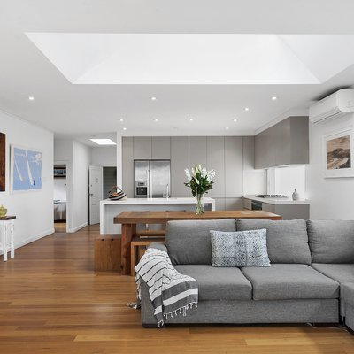 """""""Just Listed   9 Lakeview Parade, Warriewood<br \/>4 Bed   2 Bath   2 Car<br \/>Modern Family Home With Dual Access<br \/><br \/>Simon Rawson   0422 380 03"""""""