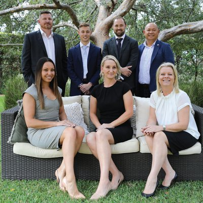 """""""The Brand That Delivers! Announcing our new office, Wiseberry Killarney Vale. Thomas Le Hoang, CEO of Wiseberry Franchises and Cameron Wilson, owner o"""""""