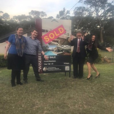 """""""SOLD 
